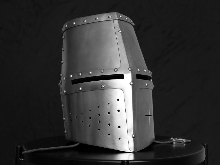 Шлем рыцарский топхельм Дарген